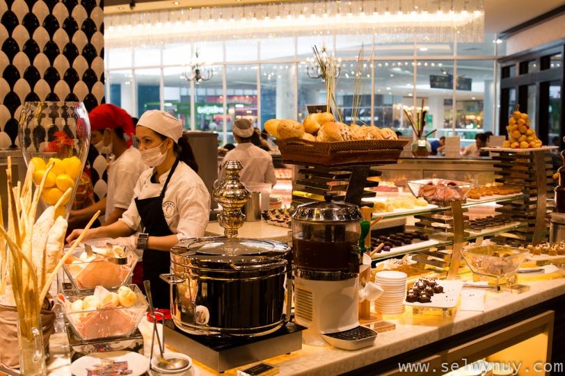 Vikings Buffet Desserts